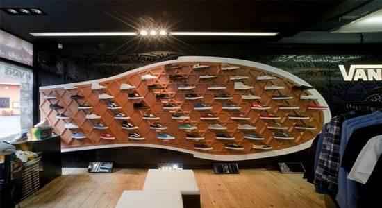 در طراحی داخلی مغازه، نور و ویترین مغازه را جدی بگیرید
